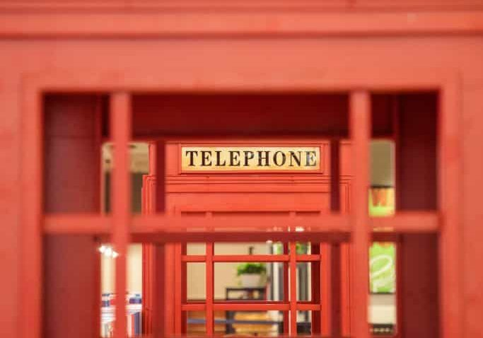 telephone box. yifei-chen-275412-unsplash